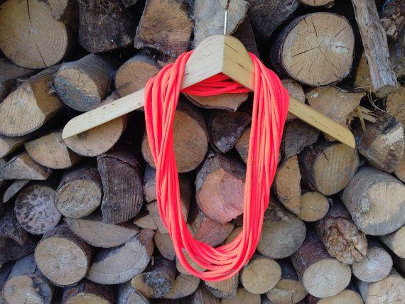 Neon oranje ketting/scarf van TaklaDesign op Etsy
