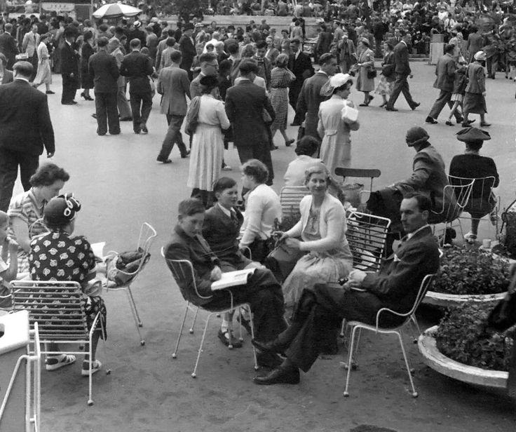 1951 Festival of Britain - Southbank terraces, London