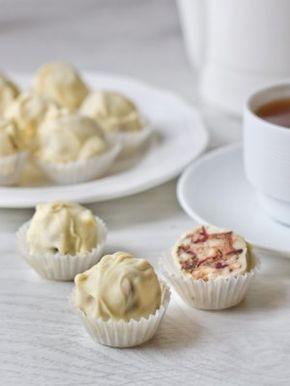 Ореховые конфеты в белом шоколаде
