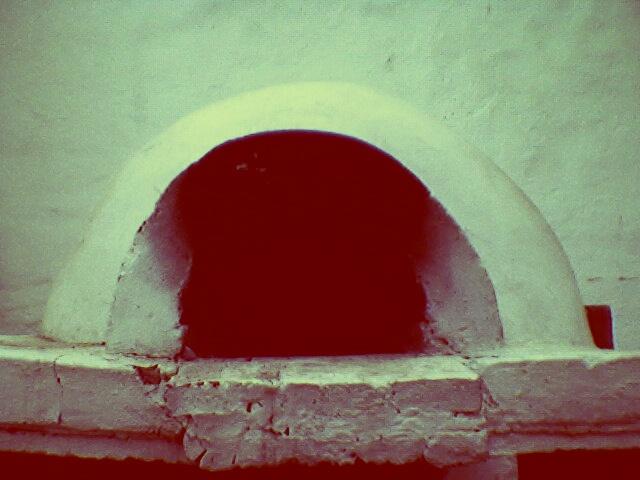 Viejo horno de barro en la Casa de Tucumán