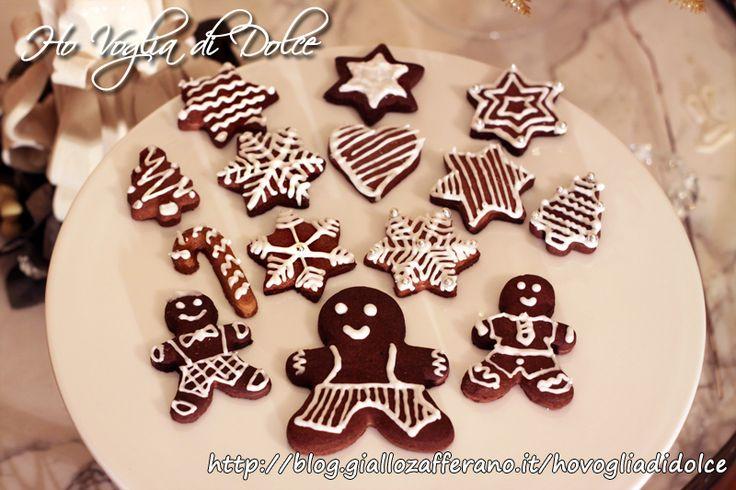 Biscotti natalizi decorati con glassa, ricetta dolce Natale
