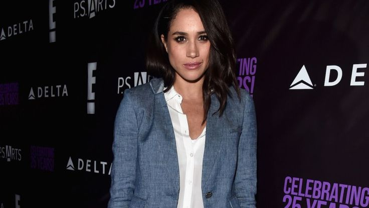 Prince Harry's New Girlfriend Meghan Markle Is Getting Seriously Trashed By Her Half-Sister Right Now