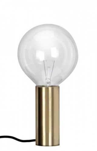En vakker og minimalistisk bordlampe designet av den svenske arkitekten Per Söderberg. Opprinnelig var lampen designet til et privat hjem i Stockholm, men etter stor etterspørsel satte Per lampen i produksjon. Lampen har dimmer og er perfekt på soverommet. Leveres med Mega Halogen lyspære, og svart tekstiledning D 5 cm, H 11 cm. Bestillingsvare med ca 2-3 ukers leveringstid.