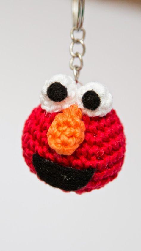 """Voor mijn tante, die dus een Elmo-lover is, maakte ik voor haar verjaardag een """"Keep kalm and love Elmo""""-ketting En ik deed er ook n..."""