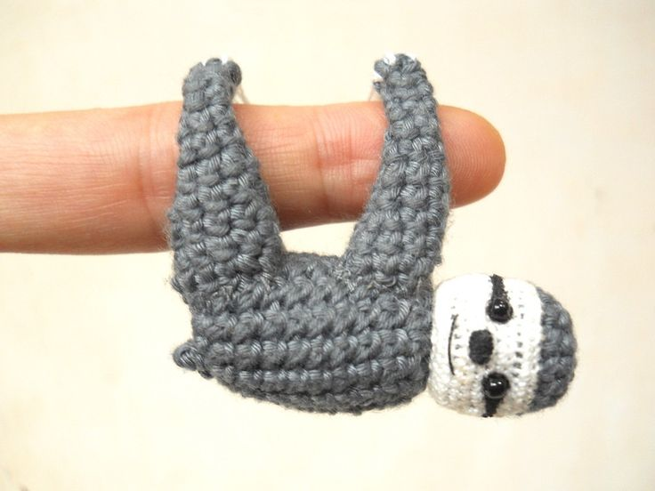 http://sosuperawesome.com/post/159475619943/miniature-and-micro-amigurumi-by-su-ami-on-etsy