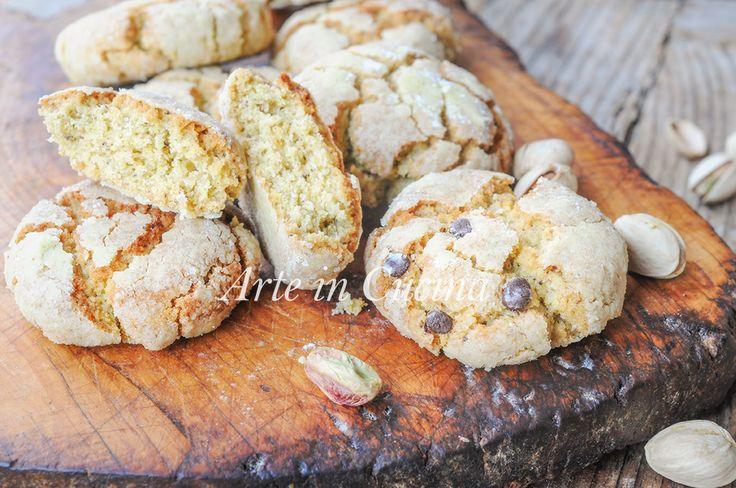 Biscotti morbidi al pistacchio e cioccolato veloci