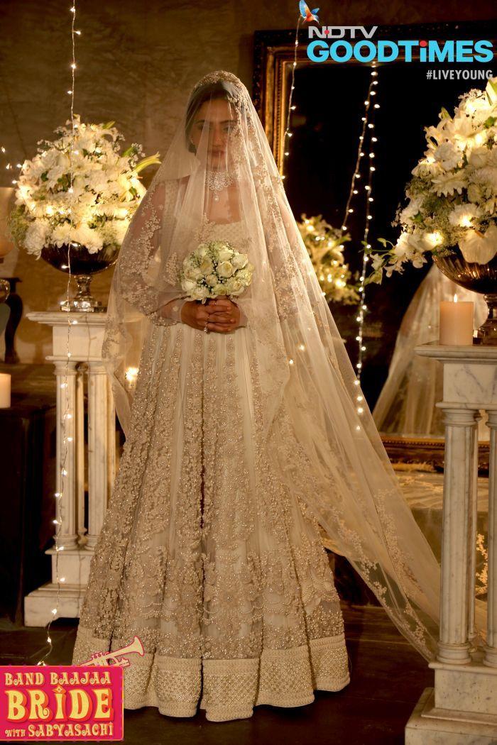 First ever christian bride wearing sabyasachi dress on band bajaa bride show..