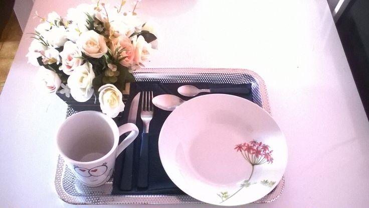 Café  da manhã na cama simples.