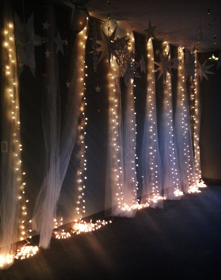 Prom Theme: Shining Stars Decorations: by Lynette Harper & Lindsay Swearingen
