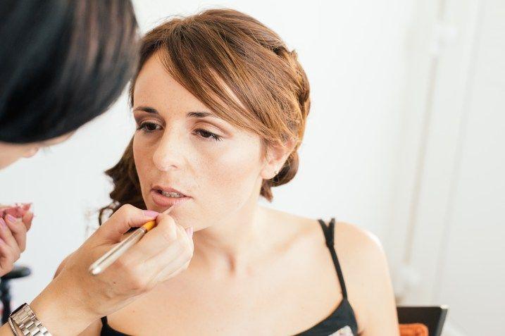 Maquilhagem de noiva, maquilhagem simples tons nudes e bronze, maquilhagem noiva com sardas, maquilhagem de verão