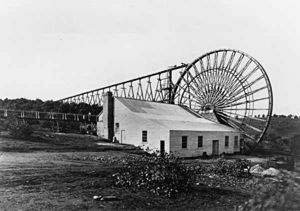 This is the Garfield ore crushing plant building at Chewton Victoria At first it was powered by the largest water wheel in the Southen hemisphere..jpg