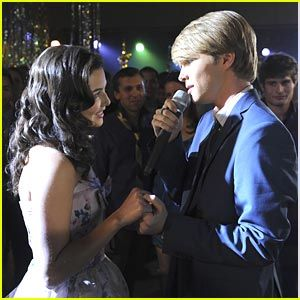StarStruck- Danielle Campbell and Sterling Knight<3