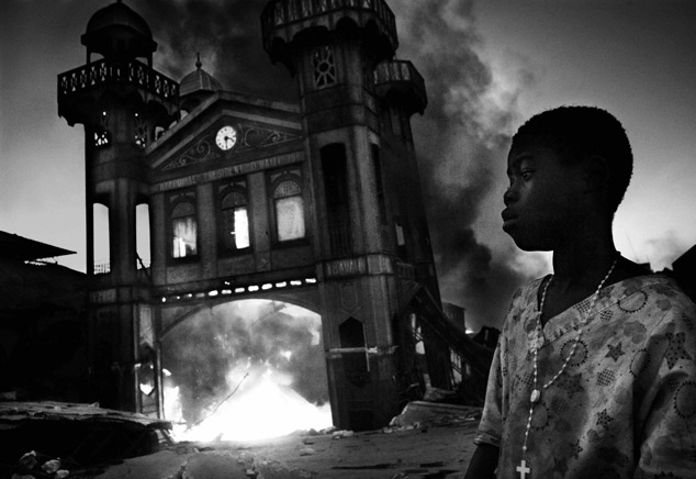 05. Riccardo Venturi, a Contrasto photographer based in Italy, has won the 1st Prize General News Single category with this picture of the Old Iron Market burning in Port-au-Prince, Haiti, taken January 18. The prize-winning entries of the World Press Photo Contest 2010, the world's largest annual press photography contest, were announced February 11, 2011. REUTERS/Riccardo Venturi/Contrasto/Handout