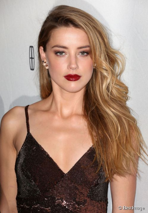 "Amber Heard sur le tapis rouge du film ""When I Live My Life Over Again"" au festival de Tribeca à New York Le 18 avril 2015."