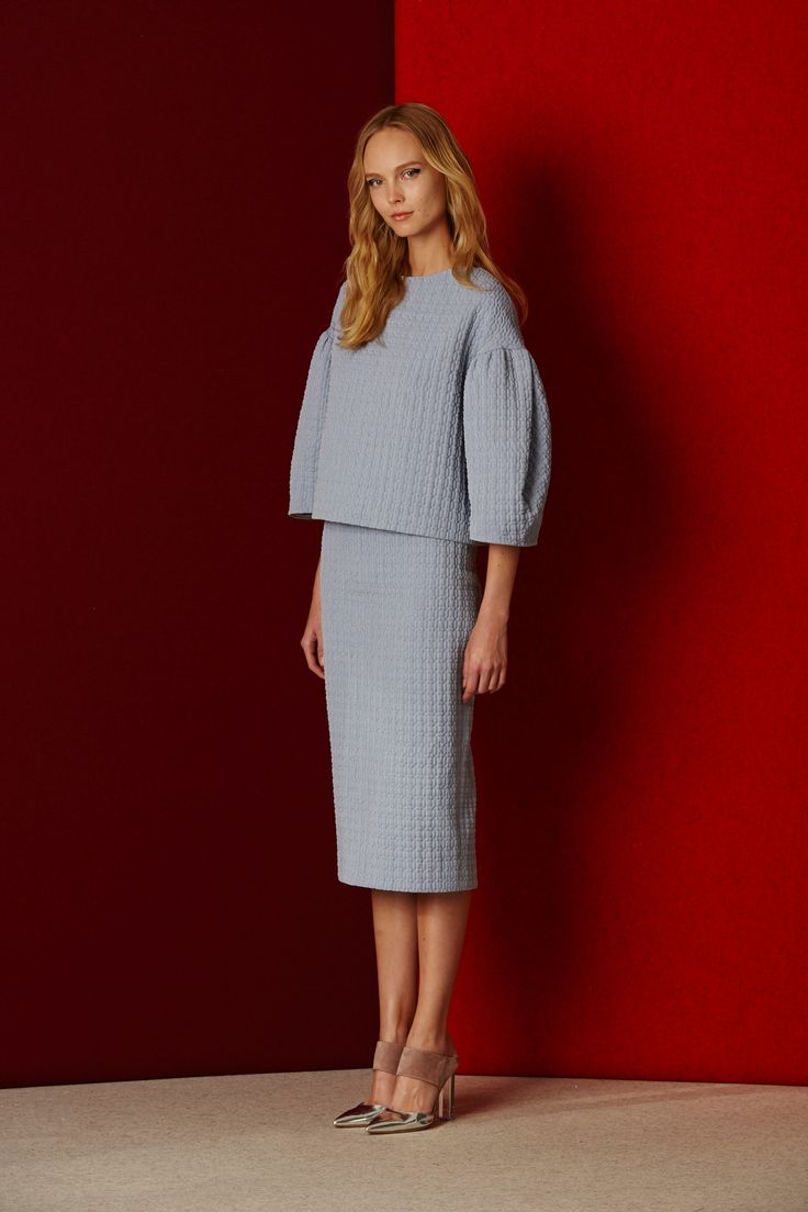 Lela Rose Pre-Fall 2016 Fashion Show (TLW TS15) High waisted skirt outfit #elegant Oversized top