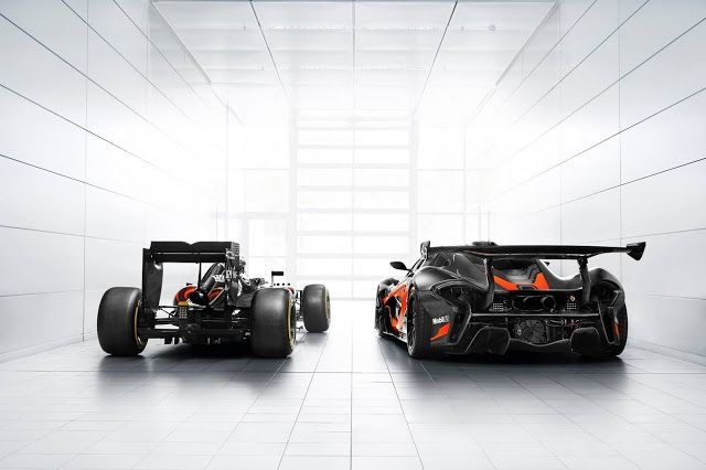 Matching McLaren-Honda F1 Car & P1 GTR Hypercar Pose Together