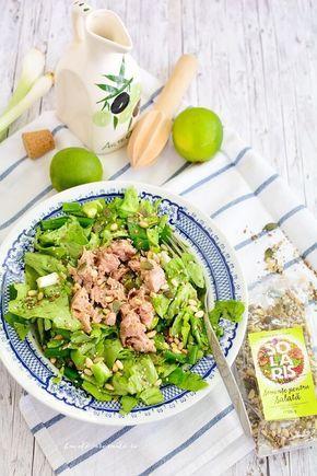 Salată verde cu ton și seminţe de tot felul