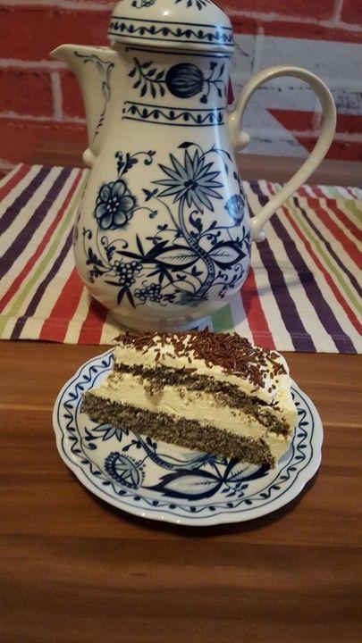 Illes super schneller Mohnkuchen ohne Boden mit Paradiescreme und Haselnusskrokant, ein sehr schönes Rezept aus der Kategorie Torten. Bewertungen: 255. Durchschnitt: Ø 4,6.