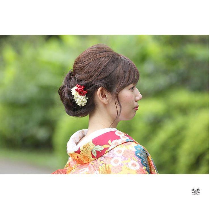 * ゆるめ和装アップスタイル。 . photographar : @hiroyoshishima hair : ayumi fujinoki . . . . . #hairstyle #hairarrange #ヘアスタイル#ヘアアレンジ #bridalhair #weddinghair #花嫁ヘア #ブライダルヘア #ウェディングヘア #ロングヘア #アップスタイル #おしゃれ #おしゃれさんと繋がりたい #wedding #結婚式準備 #結婚 #プレ花嫁 #卒花 #東京花嫁 #日本中のプレ花嫁さんと繋がりたい #hairstilist #makeup #ヘアメイク #色打掛 #和装ヘア #東京 #東京スタジオ #前撮り #和装前撮り #スタジオアクア