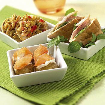 Hapjes met zalm, paling en garnalen