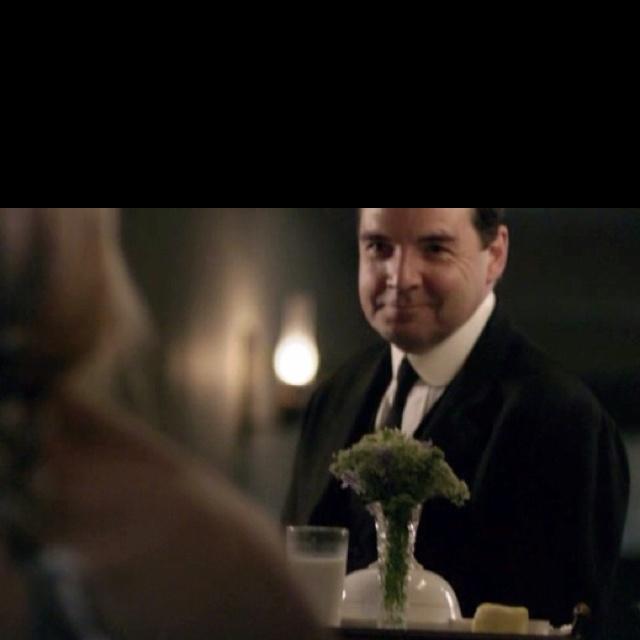 Mr. Bates brings Anna a tray | Love blooms at Downton ...
