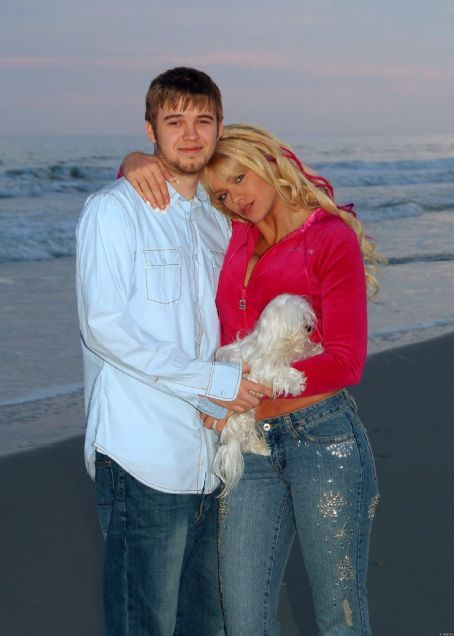 Anna Nicole Smith and her Son Daniel.
