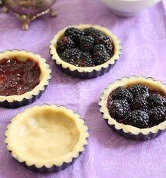 Baking Blackberry Tarts - A blackberry tart recipe that will delight /use vegan pie crust