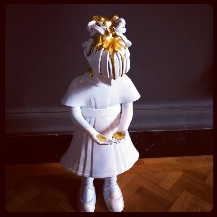 Girl Baptized in Gold by Kim Simonsson V Museum Ceramic entrance to Prism #LDF12 #BlogTourLDN