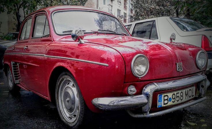 Renault Dauphine, old car, masini vechi http://www.hashtagram.info/un-frumos-renault-dauphine/