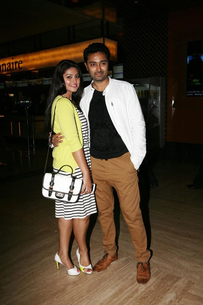 Prasanna strikes a pose with his beautiful wife Sneha at screening of Kalyana Samayal Saadham in Mumbai. #Style #Kollywood #Fashion #Beauty