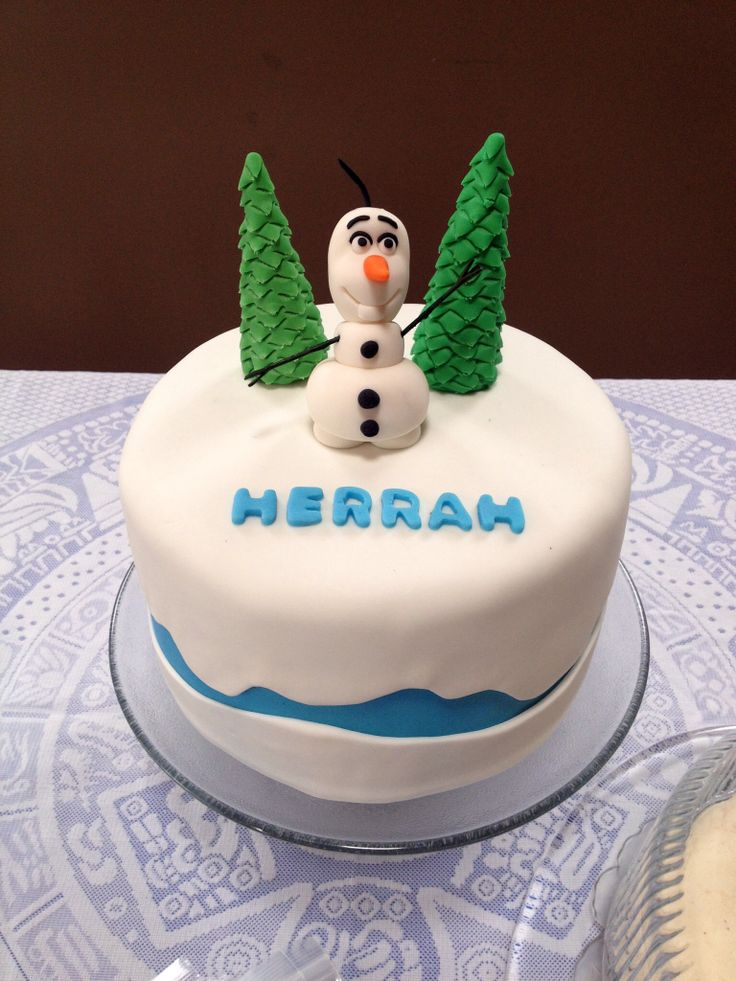 Frozen party birthday cake! Trees and Olaf