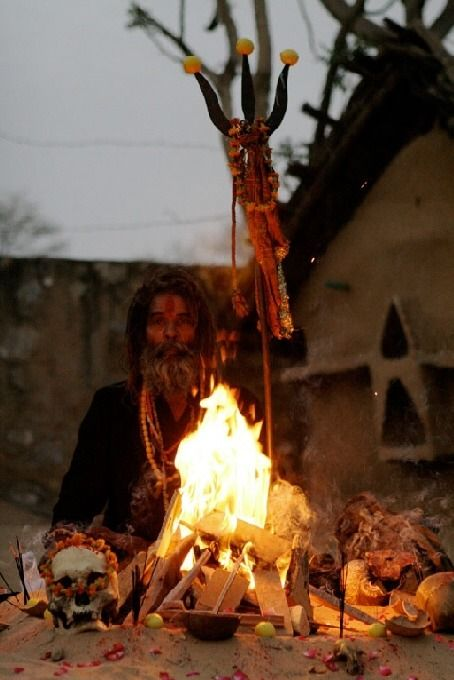 A sadhu of the cannibal Hindu sect Aghori - http://www.cultofweird.com/culture/aghori-cannibal-hindu-monks/: