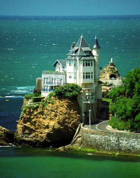 Biarritz...I love this chateau! Ive walked past it several times, it is such a mysterious place, almost haunted-like, yet intriguing!
