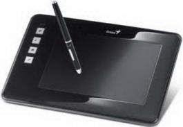 Od Igle Do Lokomotive - Tablet EasyPen M406W USB Tablet Genius  EasyPen M406W je elegantni tablet iz Geniusa koji vam donosi zabavniji i fleksibilniji doživljaj crtanja.  Ovaj tablet od 4 x 6 inča je jedinstven i ističe se među svim ostalim tradicionalnim tabletima, zato što se može koristiti na udaljenosti od 10 metara od vašeg monitora, ako sedite na kauču.   Lagana bežična pisaljka koja ne zahteva baterije ne sputava vašu intuitivnost i ponaša se kao prava olovka - crta, slika, skicira...