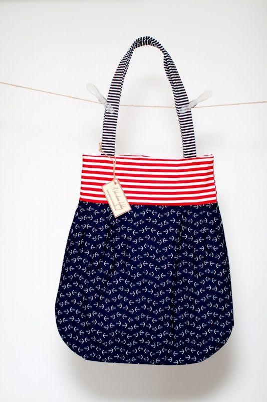 Námořnická taška 2v1 http://www.dekorativnidoplnky.cz/eshop-nakupni-taska-namornicka