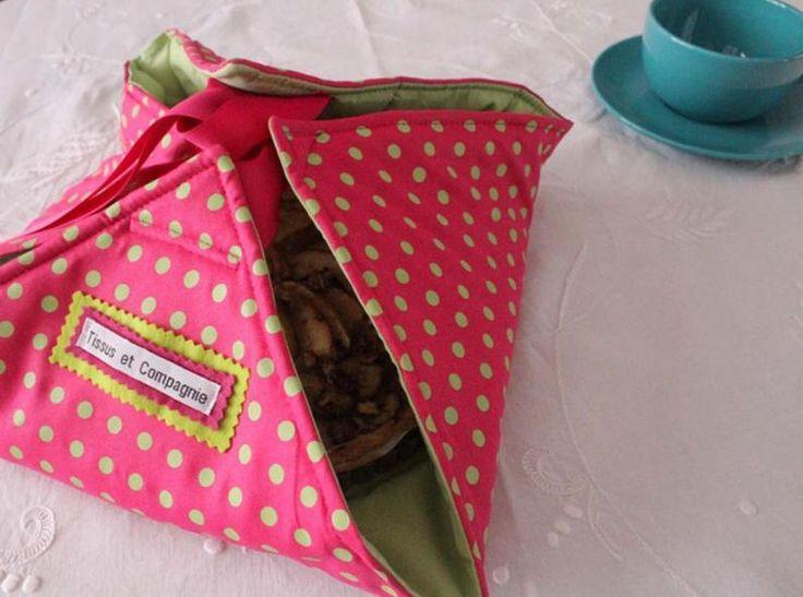 Voici un tuto sympa pour apprendre à faire un sac à tarte : idéal pour transporter votre pat lors d'un pic-nic !