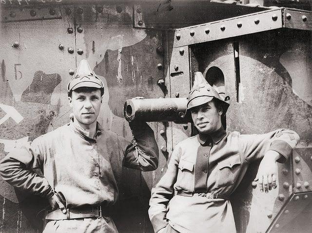 Soviet soldiers tartar caps