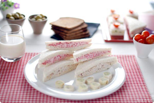 Rellenos para sandwiches: de salami, de nueces y de mantequilla con ajo y perejil