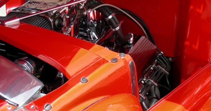 Especificaciones del Chevrolet Silverado 1500 . La camioneta Silverado 1500 de 1/2 tonelada es la más pequeña de tamaño completo de la oferta de camiones Chevrolet. El resto de la línea de productos incluye la F-250 y F-350 y F 450 comercial y los modelos F-550. La Silverado 1500 cuenta con configuraciones de cabina regulares, extendida y los modelos de tripulación de cabina de cuatro puertas. ...
