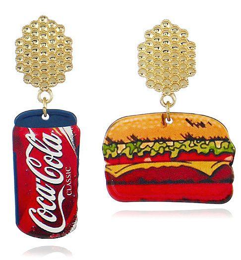 Oorstekers Coca Cola beker en hamburger