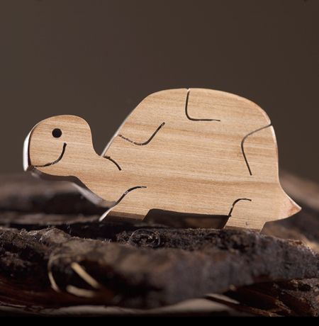 Wooden toy turtle   Wooden animal figures   Diotoys.com