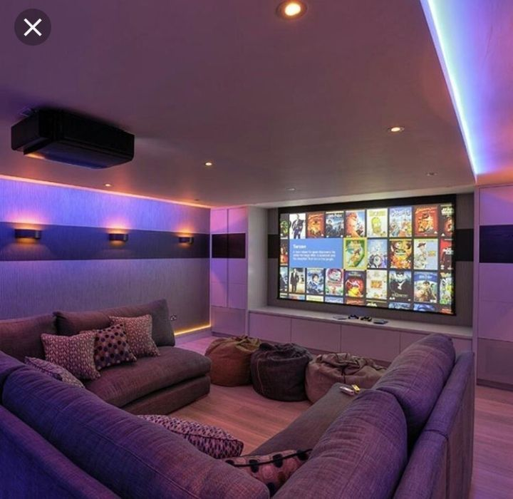 One of the most exciting cinema home decor! Who wouldn't like to have a home theater like that? Home movie theater room Home Cinema Room, Home Theater Rooms, Home Theater Seating, Home Theater Design, Cinema Room Small, Basement Layout, Basement Ideas, Basement Bars, Small Basement Design