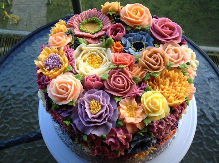 Floral Arty Cakes from the UK. Known as Arti Cakes on Facebook. These cakes, etc. are works of art. Almost too beautiful to eat!Gardens Cake, Flower Cakes, Ice Flower, Floral Cake, Cake Decor, Buttercream, Eating Cake, Wedding Cake, Arty Cake