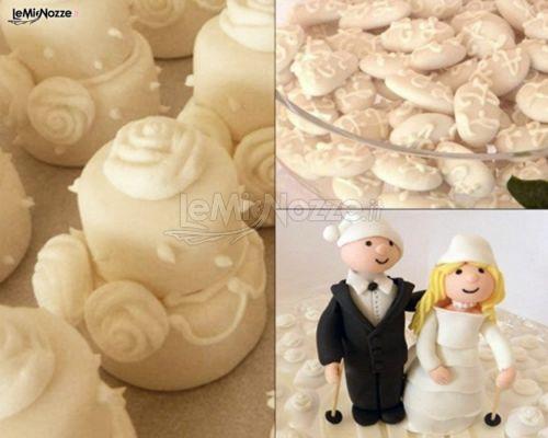 Cupcake con mini sposini realizzati con la pasta di zucchero. Una bontà sia per gli occhi che per il palato! Guarda tutta la gallery: http://www.lemienozze.it/gallerie/torte-nuziali-foto/cupcakes/