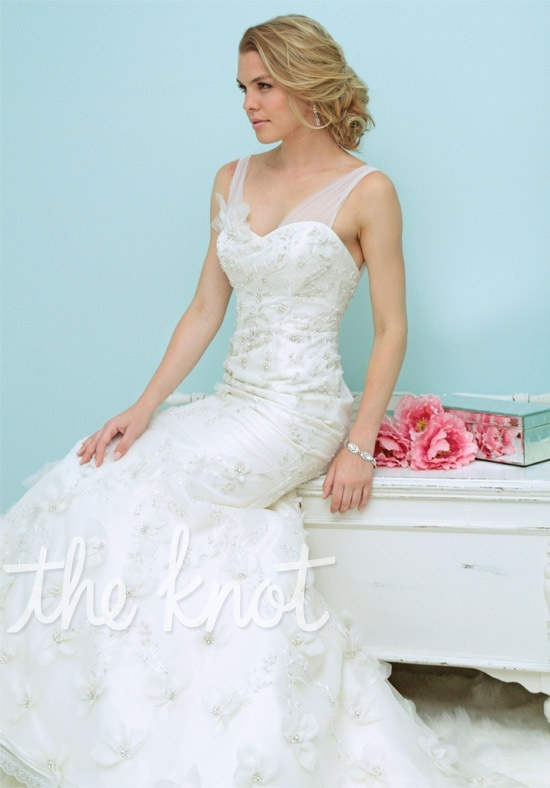 Check Out This Weddingdress 1010 By Victoria Nicole Via Iphone Theknotlb From Wedding Themeswedding Gownswedding