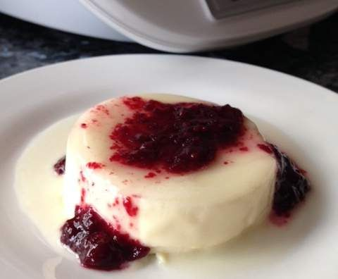 Recipe Passionfruit & Blackberry Panna Cotta by janinewood - Recipe of category Baking - sweet