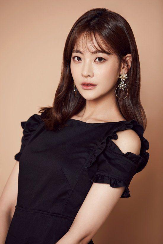 Korean bare actress, disco sex party