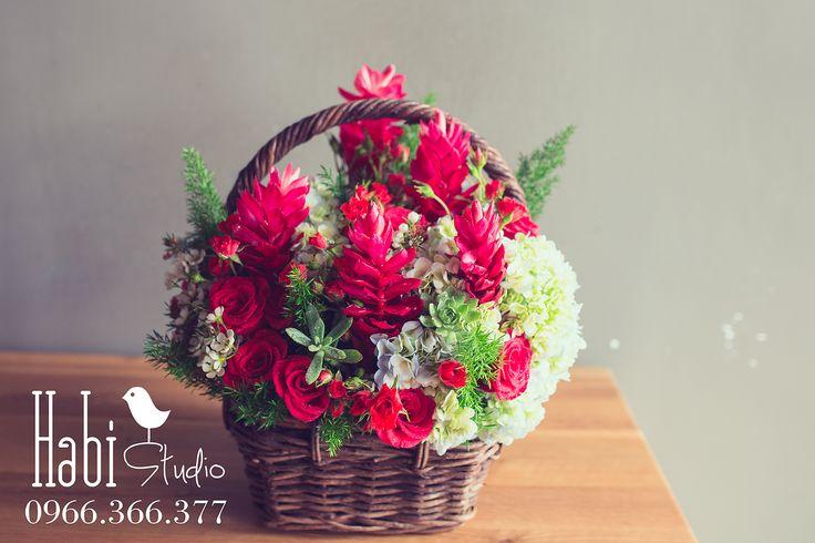 Habi flower, Habi studio, flower arrangement, birthday flower, Habi design, flower basket, vintage flower