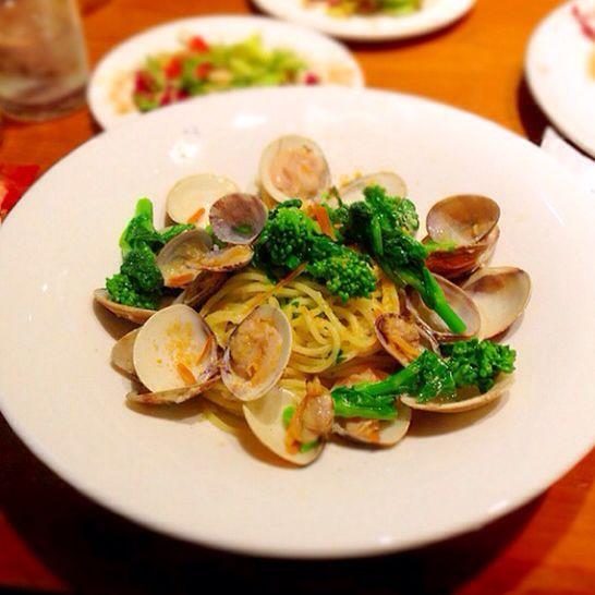 ドンサバティーニで、はまぐりとカラスミと菜の花のパスタで、お昼ごはん。