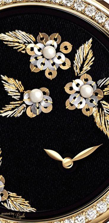 Beauty of Black and Gold Chanel Oversized Watch Regilla ⚜ Una Fiorentina in California Bella Donna